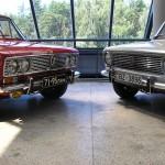 ВАЗ-2103 (слева) и 2101 (справа)