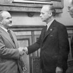 Молотов (слева) и Риббентроп (справа)