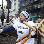 Government supporters clean up in Ukraine