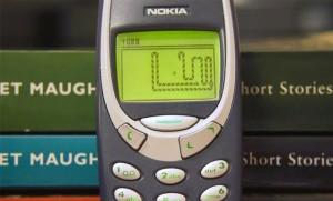 Nokia-3310-snake_emb8