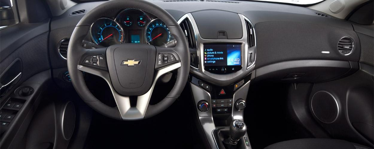 1250-500-chevrolet-cruze-sedan-interer-1
