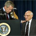 Буш отмечает заслуги Фридмана