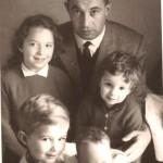 Лагард в детстве с отцом и братьями