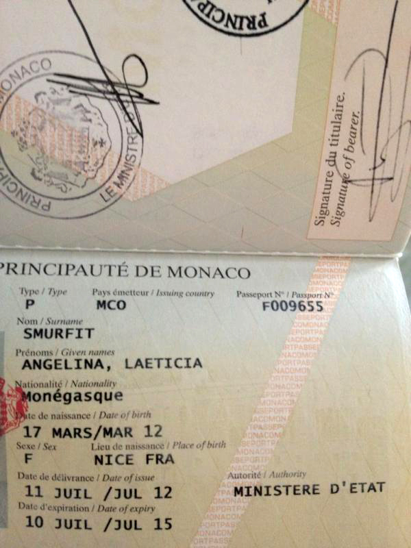 Разворот паспорта Монако