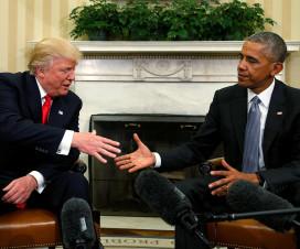 Рукопожатие Барака Обамы и Дональда Трампа