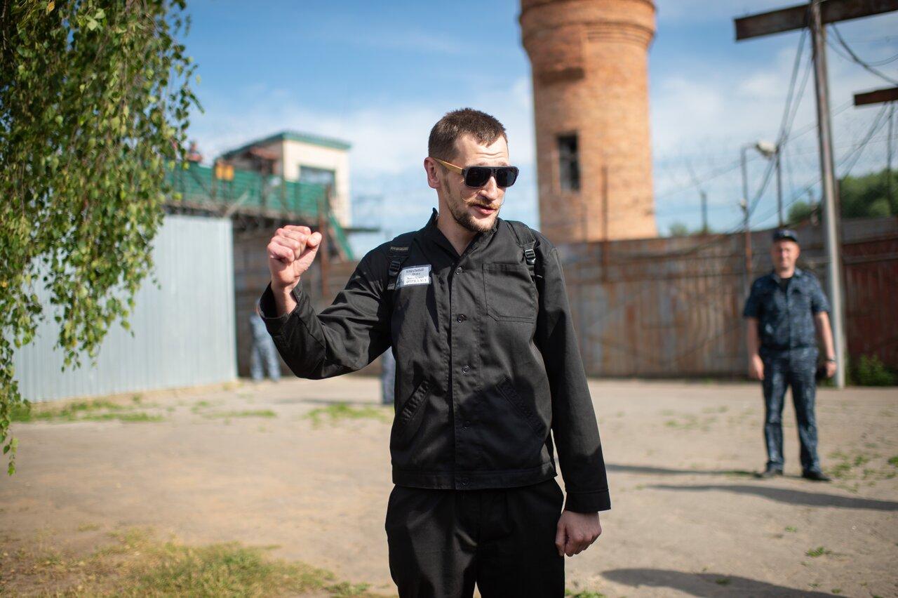 Олег Навальный сразу после освобождения из колонии, 29 июня 2018 года.