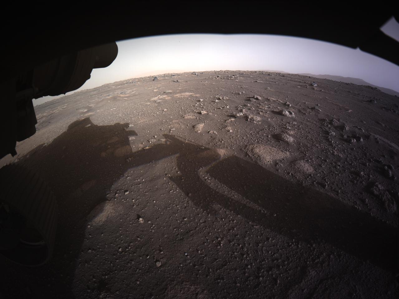 Первое цветное фото с Марса